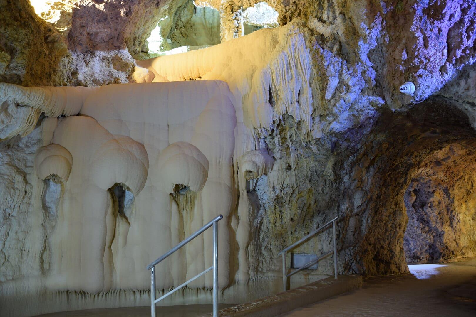 Barlangfürdő nyitás